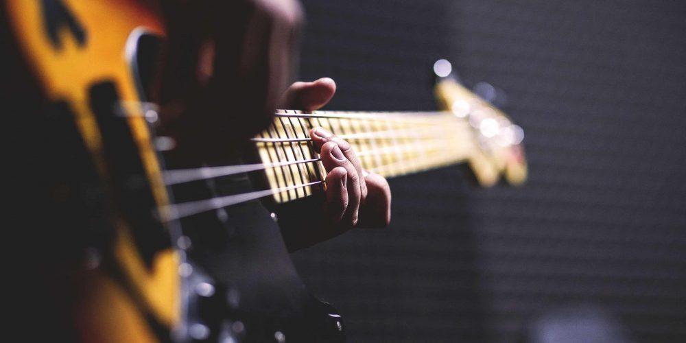 Yeni Başlayanlar İçin Bas Gitar