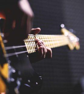 Yeni Başlayanlar İçin Bas Gitar Kursu