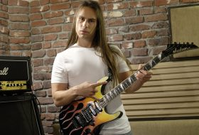 Elektro Gitar'ı Nasıl Daha Duygulu Çalabiliriz?