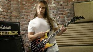 Elektro Gitar Nasıl Daha Duygulu Çalınır?